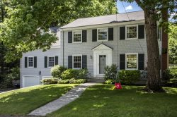 Charming Furnished 3 Bed 2.5 Bath on the Desirable Cumberland Foreside