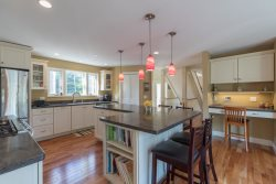 Beautifully Furnished 4 Bedroom 3 Bath Single Family Home in Convenient Portland Neighborhood