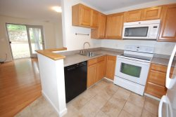 Unfurnished 2 Bedroom 1.5 Bath Townhouse Style Condo Walking Distance to Downtown Freeport