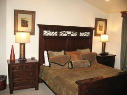 B2 Master King Suite upper level
