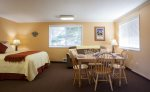 Welcome to the Sand Castle Inn 605