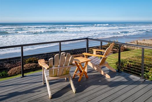 Beachfront Cannon Beach vacation rental with view of Haystack rock