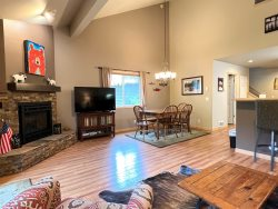 Cozy Condo Near the Pool & Hot Tub with Hardwood Floors and Gas Fireplace