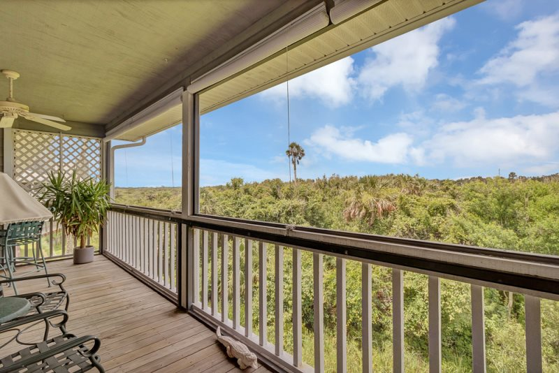 Superb 3 Bedroom Condo With An Ocean View From This Beach House Download Free Architecture Designs Scobabritishbridgeorg