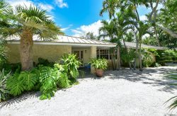 Tropical three bedroom family home