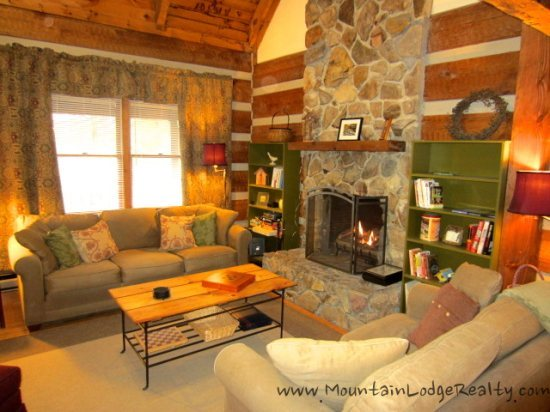 3BR Cabin Stone Fireplace Flat Screens King Bed Foosball Close To Banner Elk Boone Or Blowing Rock NC