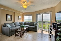 End unit with stop-in-your-tracks view! 3301 Ocean Pointe Suites