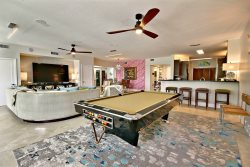 Family Fun! Oceanfront 4-bedroom on white sand beach! 316 Mariners Club Key Largo