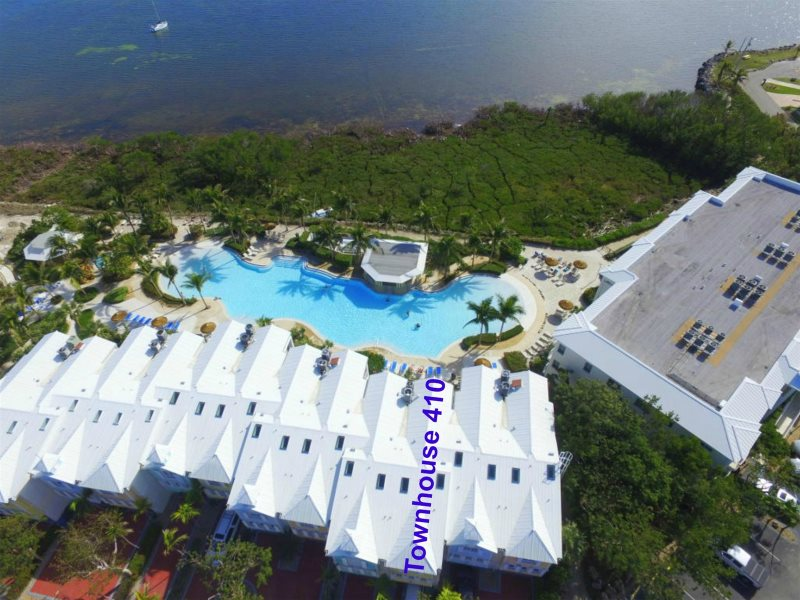 Outstanding 410 Mariners Club Key Largo Luxury Vacation Rental Home Interior And Landscaping Ferensignezvosmurscom