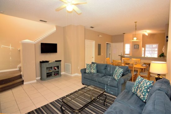 Leather Furniture, Tile Floors, Flat Screen TV, WiFi,