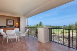 Fall Special $199 - Waikoloa Shores 304 Upscale 2 Bd/2bath Penthouse with Ocean Sunset View - Overlooking the Golf Course