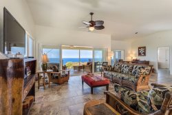 Stay in this Gorgeous 3 Bed/2 Bath Private Retreat with Amazing Ocean Views in South Kona!
