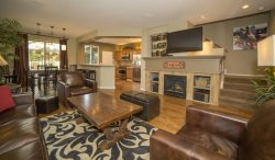 Taft 72, Pet Friendly, Walk to Old Mill Shopping, Downtown Bend Oregon Vacation Rental Air Conditioning Fireplace
