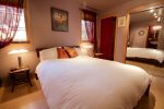 Queen master suite full bathroom