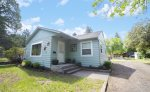 Adorable 1950`s Bungalow, Walk to Downtown Bend Free WiFi Air Conditioning