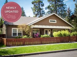 Bend Oregon Vacation Lodging Home, Private Hot Tub, Fenced Yard, Walk to Downtown Bend & All Over West Side!