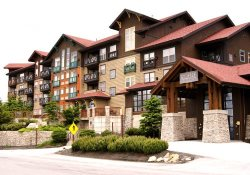 Rimfire 460 - Good & Plenty -  Ski in ski out, top floor, views of village! Balcony and hot tub!