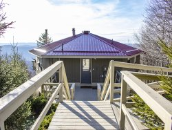 South Westridge 70-5 Bedroom home, 3  bath, Snowshoe Mtn. Resort, newly renovated  NEW HOT TUB , great location!