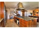 Fully equipped spacious gourmet kitchen