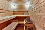 Wet and dry sauna room