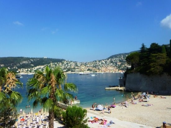 In the heart of St Jean Cap Ferrat steps from the beach