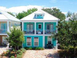 #BestVacationEver- Great Location, 2.5 Blocks to the beach & steps to the pool!!! BOOK NOW!!!