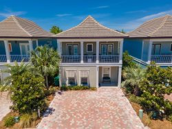 Toes In The  Sand ~ Family Friendly Vacation home with tons of amenities!  4 Bedroom 3.5 Baths with 2 Master suites and 2 Living Rooms.