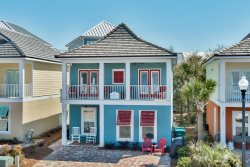 BeachNut - Centrally Located, Coastal Furnishings, 4 Bedrooms 3.5 Baths, 2 Living areas and 2 Master suites!!!