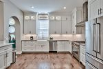 Large Kitchen with Upscale Appliances