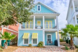 Ahoy Matey4 bedrooms, 3.5 baths, 2 Master suites, 2 living areas and custom built bunks. Only two blocks from the beach!