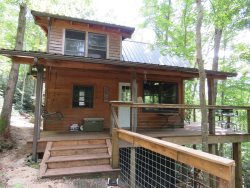 MossRock ~  **Now with Solar Power!** Upscale Off the Grid Cabin Inside the Red River Gorge