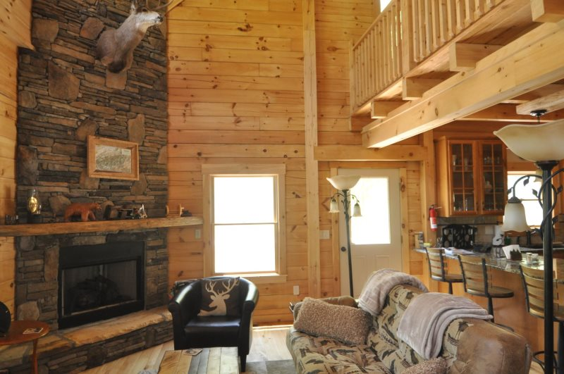 The Scratching Post Luxury Log Cabin Rental With Hot Tub