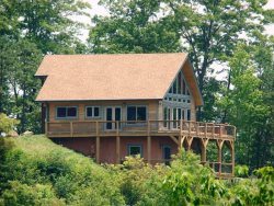 High Haven Cabin - Large Mountainside Rental with an Unforgettable View, Wi-Fi, and a Pool Table - Just 5 Miles from the Great Smoky Mountains Railroad