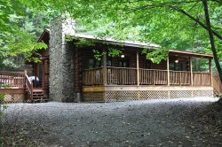 Shady Grove - Secluded Mountain Cabin with Hot Tub and Fire Pit - Less than 15 Minutes to Fly Fishing and Harrah`s Casino