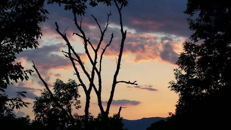 Shooting Star Ridge | Cherokee Luxury Cabin Rental | Hot Tub