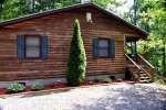 Mountain Lure Is Less than 5 Minutes from Fontana Lake