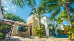 4 Bedroom Home right off of the Caribbean Ocean