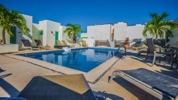 Fantastic Condo and Great Beach Area in N. Playa