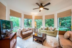 Beautiful 2 or 3 bedroom Private Condo with Garden Views