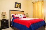 Prohomesja Jamaica Vacation Rentals - Bedroom, queen
