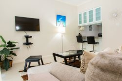Jamaica Vacation Rentals   Chic Mod City Studio