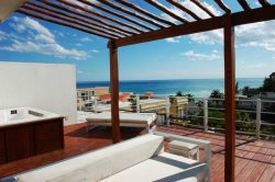 Penthouse with one of the best locations in Playa del Carmen, steps from the white sandy beach and 1 block from famous 5th Av