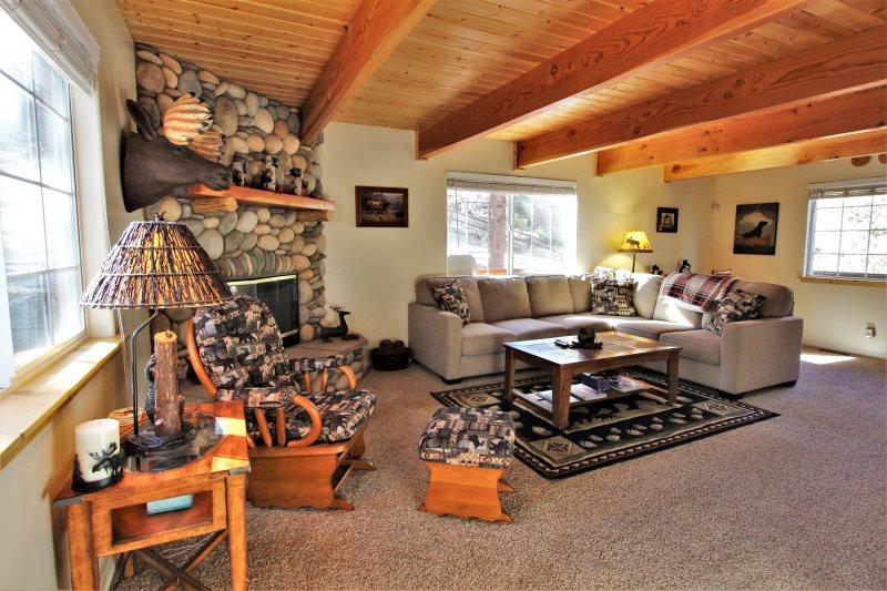 Big Bear Cabin Rentals   Mountain Top Chalet