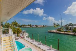 Reel Paradise, Large Family-Friendly Home in Key Colony Beach