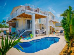 Casa Sirena: Our Newly Renovated Canal Front Home with a Private Dock and Pool