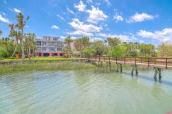 44 Intracoastal Ct - Isle Of Palms