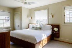 Oakhurst Exec Suite C | 2600/mo | UVA