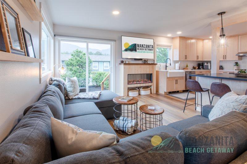Carmel Cottage | Pet-Friendly Single Family Beach Getaway