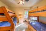 Bunkbed room with full/twin and twin/twin