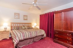 4 Bed Upgraded Regal Palms Town Home